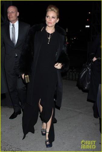 Sienna Miller: 'W' Baby Bump Arrival!