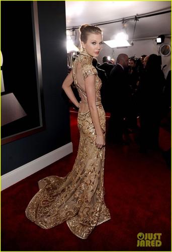 Taylor schnell, swift - Grammys 2012