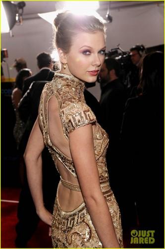 Taylor 빠른, 스위프트 - Grammys 2012