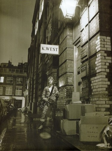 Ziggy Stardust wallpaper with a street titled Ziggy