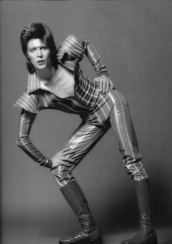 Ziggy Stardust wallpaper with a hip boot entitled Ziggy