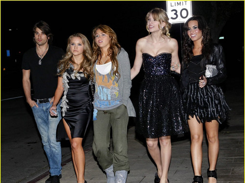 miley, emily, demi, taylor and justin gaston!!!