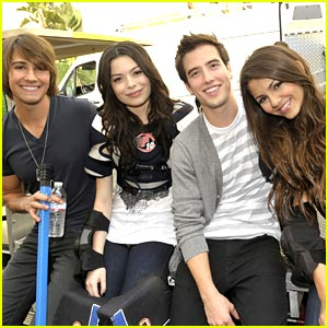 mirand,victoria,logan,and james - big-time-rush Photo