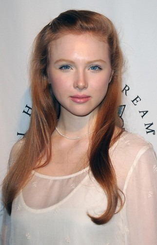 molly quinn karatasi la kupamba ukuta containing a portrait called molly c. quinn