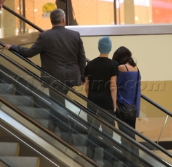 Justin Bieber and Selena Gomez at beverly center