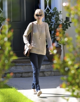 16.02 - Leaving a friend's house in Brentwood, CA
