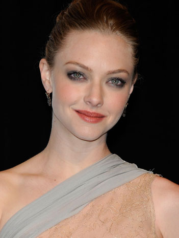 Amanda Seyfried Smokey eye look