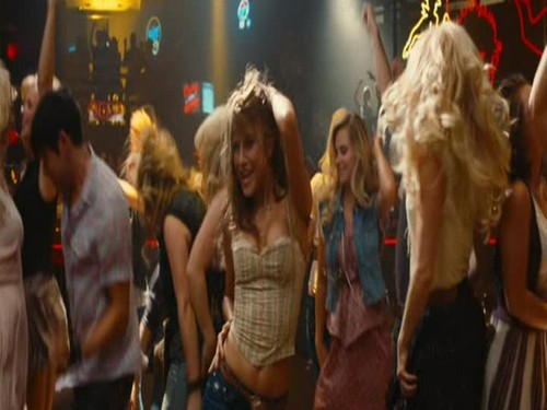 Footloose (2011) hình nền possibly containing a business suit entitled Ariel Moore <3