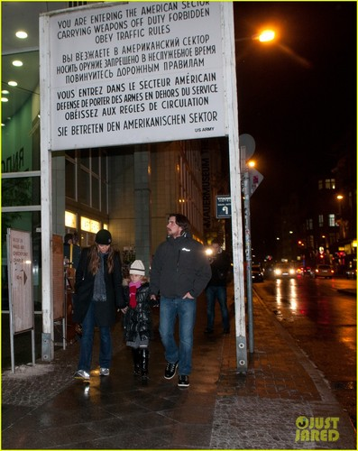 Christian Bale &amp; Family: Berlin Bunch - christian-bale Photo