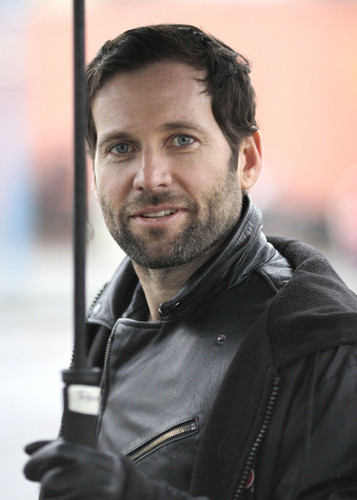 Eion Bailey On The Set Of Once Upon A Time