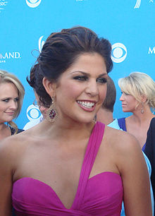 Hillary Scott @ The 2010 ACM Awards