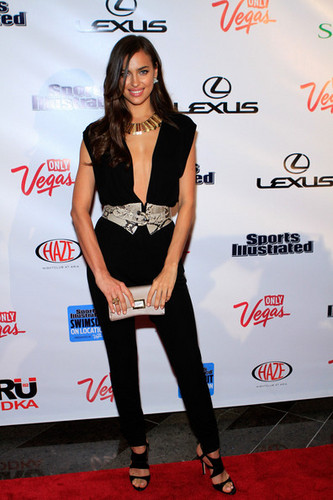 "Irina Shayk - ""Sports Illustrated"" on Location hosted por HAZE - (15.02.2012)"