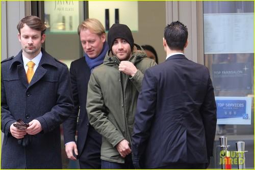Jake Gyllenhaal: Hair Cut in Berlin!