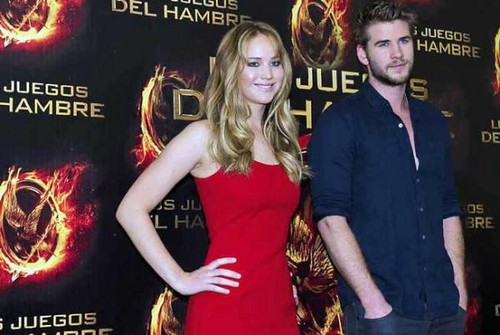 Jennifer and Liam promoting The Hunger Games in Mexico