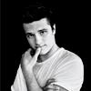 ~ Evan Peeta Lowry ~ Josh-josh-hutcherson-29119437-100-100