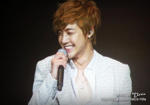 Kim Hyun Joong - kim-hyun-joong Photo