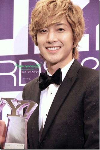 Kim Hyun Joong wallpaper probably with a business suit and a dress suit entitled Kim Hyun Joong