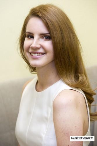 Lana Del Rey Portraits 由 Charles Sykes