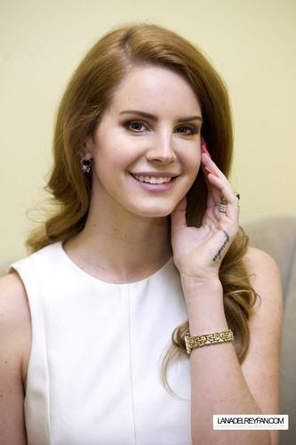 Lana Del Rey Portraits par Charles Sykes