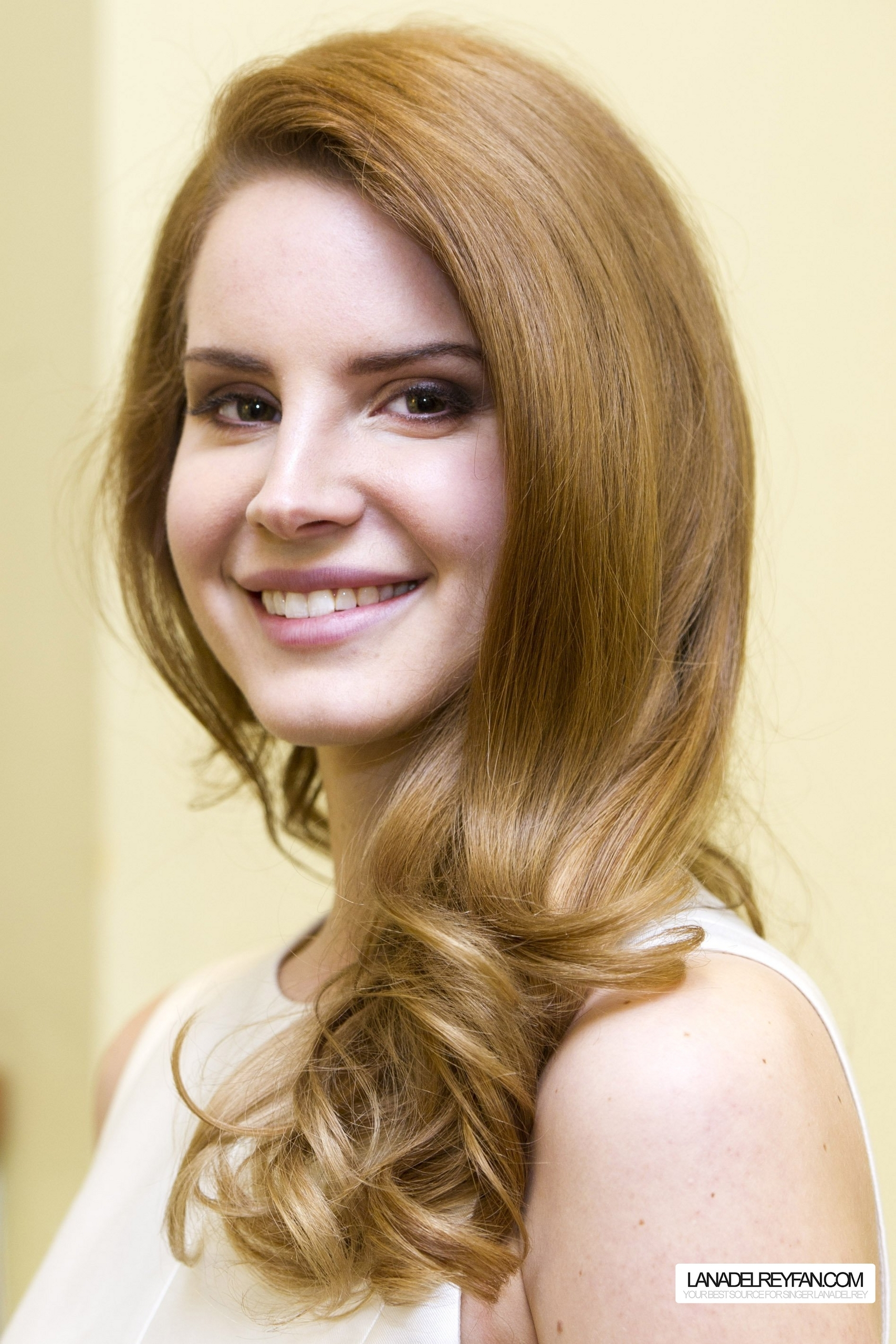 Lana Del Rey Portraits kwa Charles Sykes