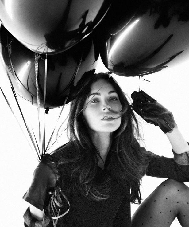 Hathaway Dec 31 2012 21 53 29: News And Entertainment: Megan Fox 2012 (Dec 31 2012 21:53:29