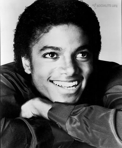 Michael so sweet :D Amore his smile *__*