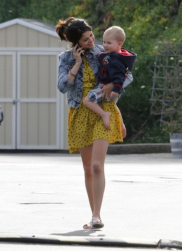 New fotografias : Selena and Justin!