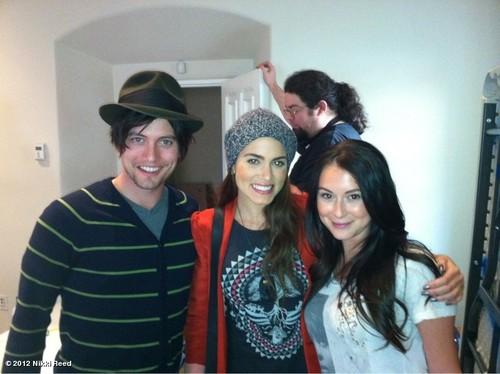 Nikki at a Script đọc with Jackson Rathbone and Alexa Vega.