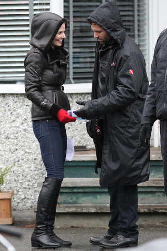 Once Upon A Time Cast Fights The Cold To Work (February 9)