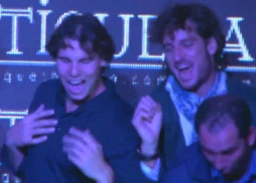 Rafa about Bar :  I hold  her so breast  !!