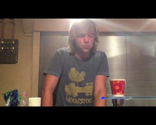 Кит Харкин Обои with a living room and a family room titled Screen Трофеи from Keith's Youtube video of him eating a sandwich.