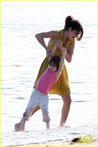 Selena Gomez Hits the playa With Justin Bieber's Family