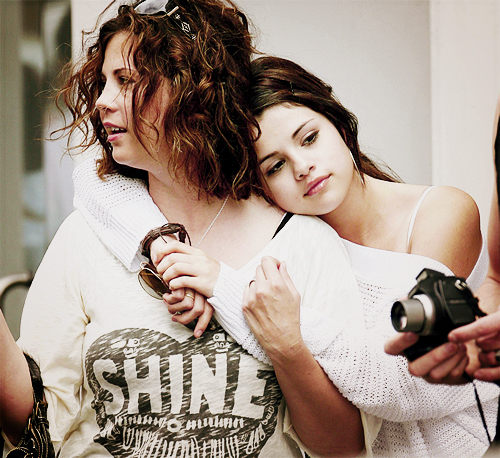 Selena With Her Mom