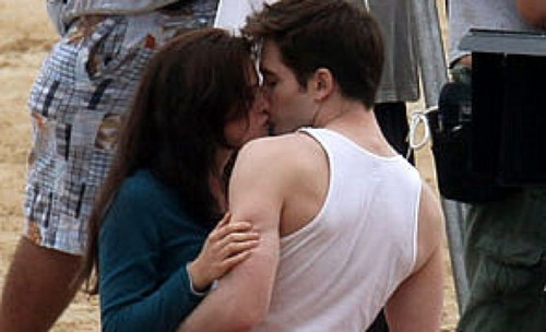 bella and edward baciare