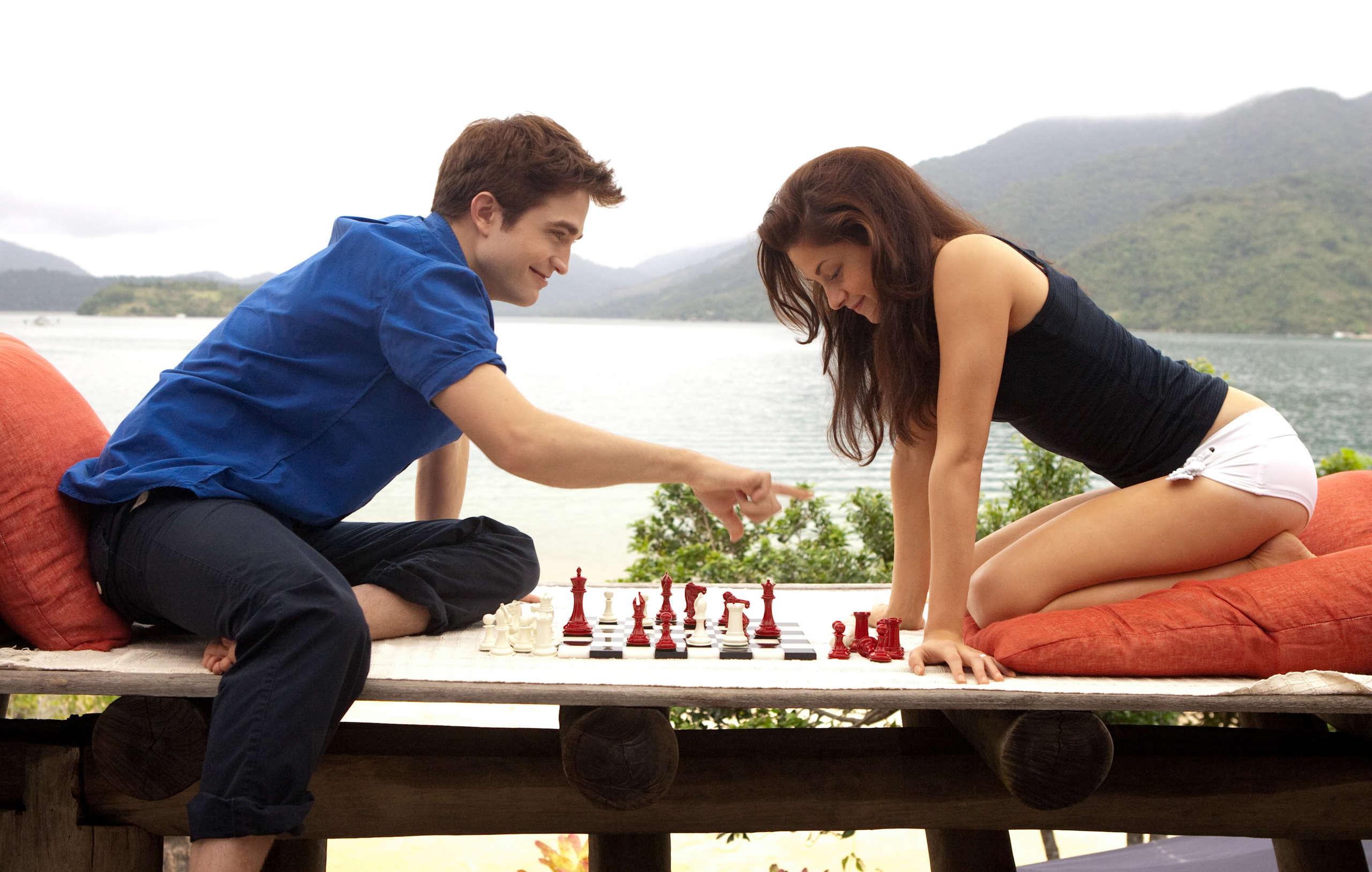 edward and bella playing chess