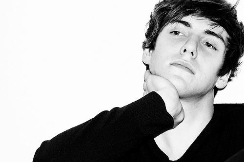 hot brittish actor Jamie
