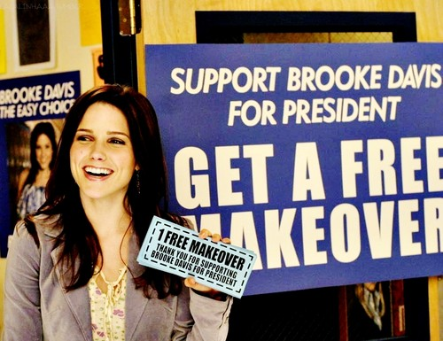 Brooke Davis वॉलपेपर possibly containing a sign entitled ♥ Brooke ♥