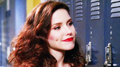 Brooke Davis wallpaper possibly containing a portrait titled ♥ Brooke ♥