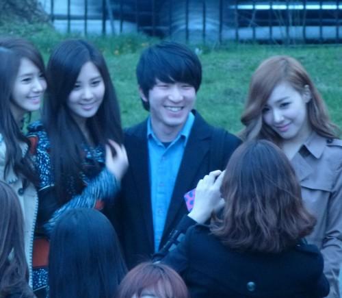 Tiffany Yoona Seohyun @ burberry Prorsum 2012 FW Pictures