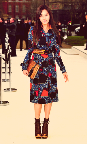 120220 [Photo/Video/Fancam/Fan Taken] london Fashion Week - Burbery Prorsum tampil @ Seohyun