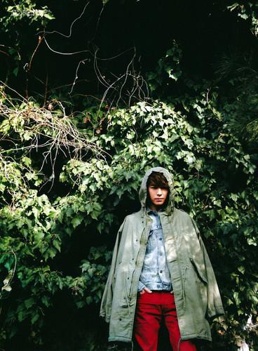 2012.2.17 Donghae's Elle Girl Korea Scans