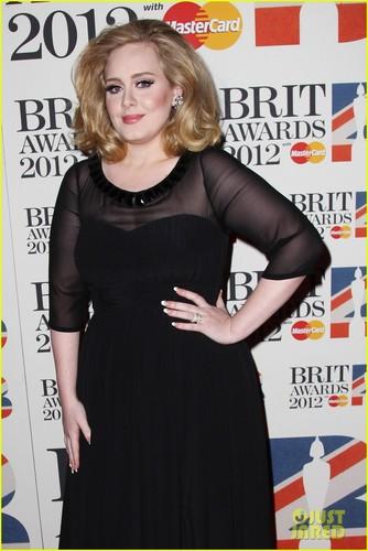Adele - Brit Awards 2012 Red Carpet