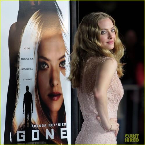 Amanda Seyfried: 'Gone' Premiere With Wes Bentley!
