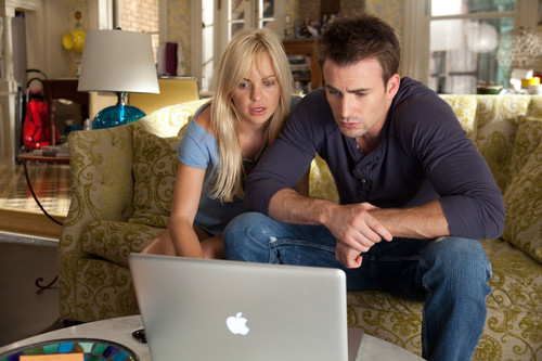 Anna Faris wallpaper containing a laptop entitled Anna Faris And Chris Evans