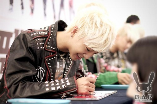 B.A.P. first fan signing event
