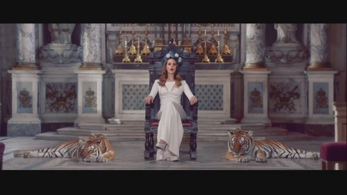 Lana Del Rey karatasi la kupamba ukuta possibly with a business suit titled Born To Die [Music Video]