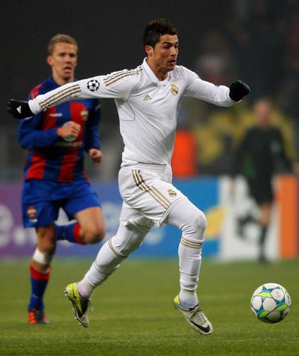 C. Ronaldo (CSKA Moskva - Real Madrid)
