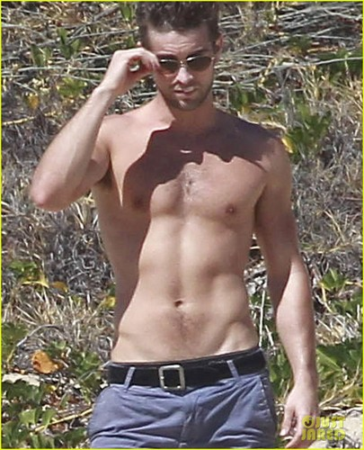 Chace Crawford: Shirtless in Cabo!