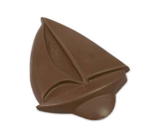 cokelat Sail perahu