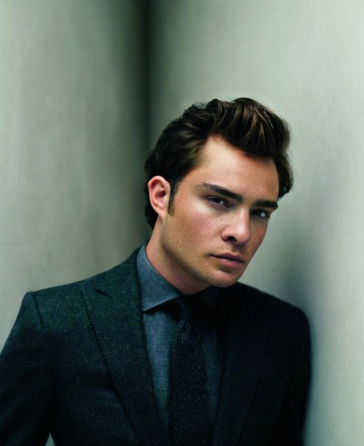 Ed Westwick پیپر وال with a business suit, a suit, and a double breasted suit called Ed Westwick